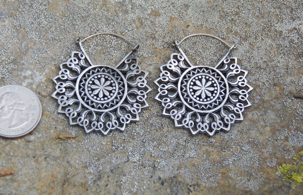silver-flower-mandala-earrings-25328.1506909226.1280.1280.jpg